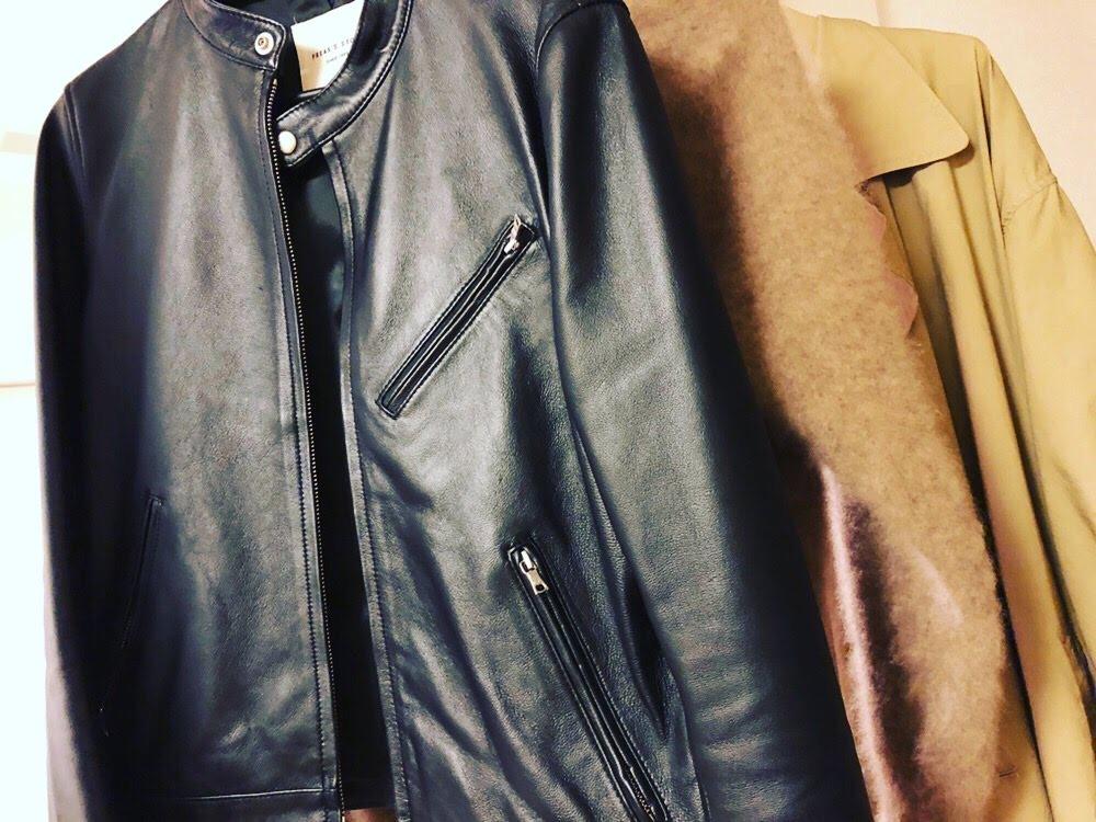 レザージャケットや革ツナギなど、洗いにくい革のニオイをとる方法