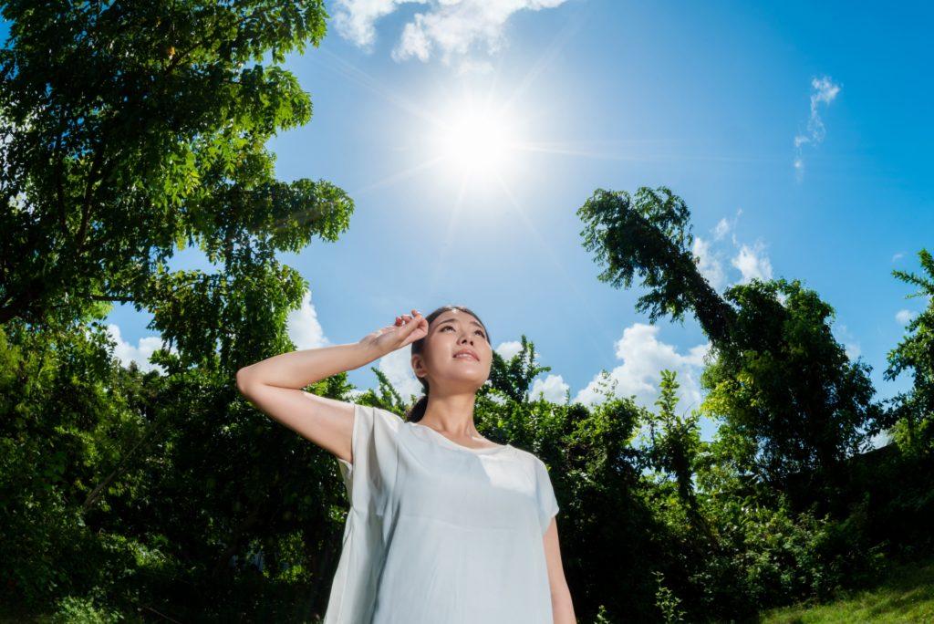 汗をかかない人は熱中症リスクが高いうえにニオイやすい?水分補給と体臭の関係