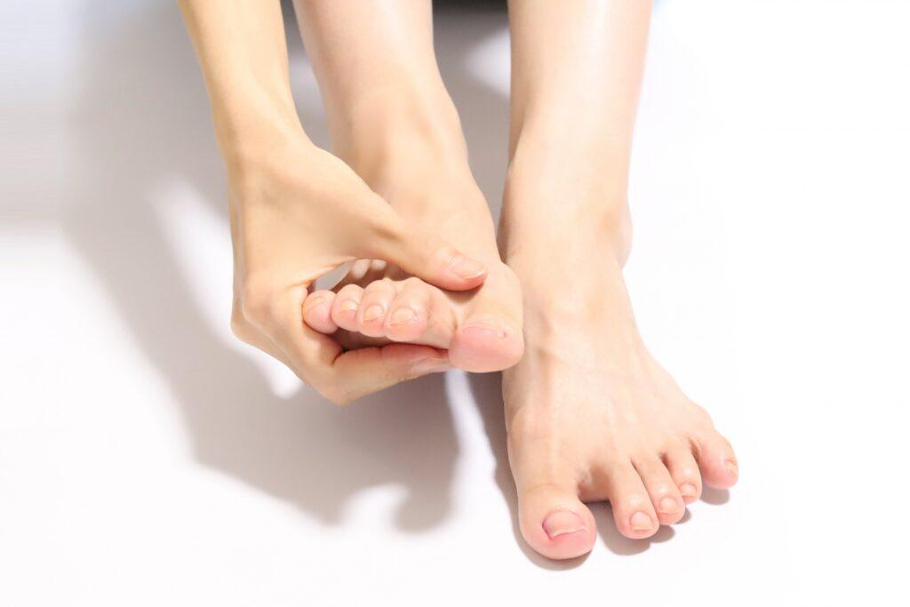 足が臭いときは水虫にも注意!その理由や予防・対策方法を解説